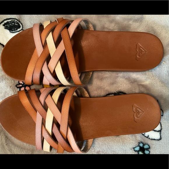 ✅Roxy sandals.